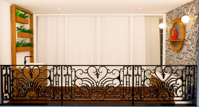 HALL BALCONY